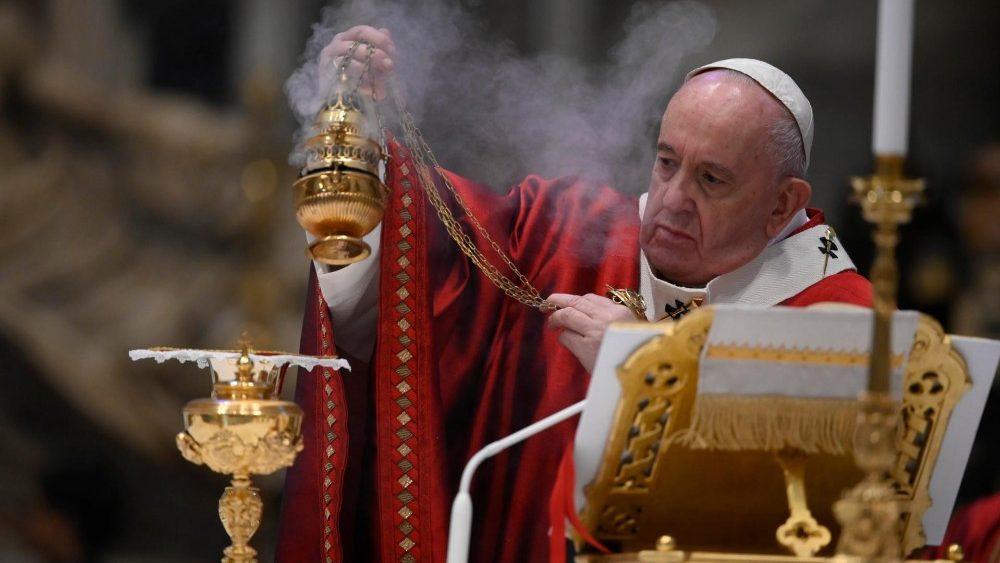 Pandemia: Papa Francisco diz que pessoas são mais importantes do que a economia