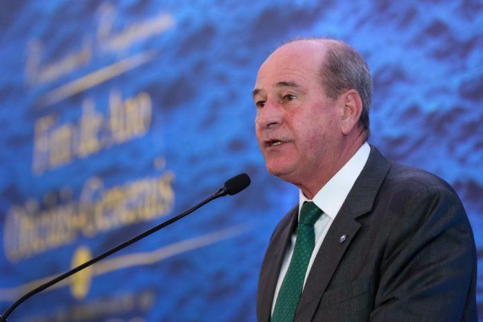 Ministro da Defesa se revolta e rebate afirmações de Gilmar Mendes