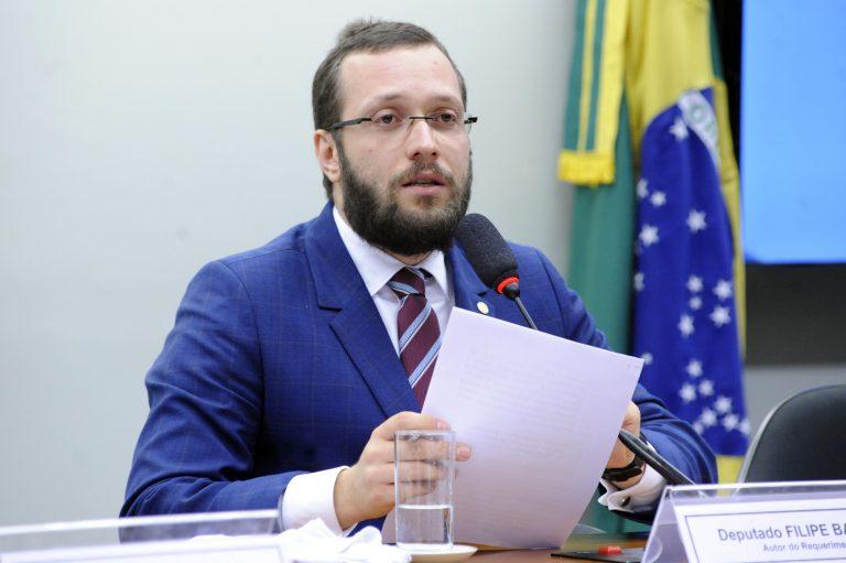 """Deputado Filipe Barros quer criação de """"Frente Parlamentar da Liberdade de Expressão"""""""