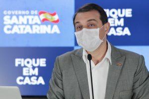 Governador de Santa Catarina, Carlos Moisés, testa positivo para a covid-19