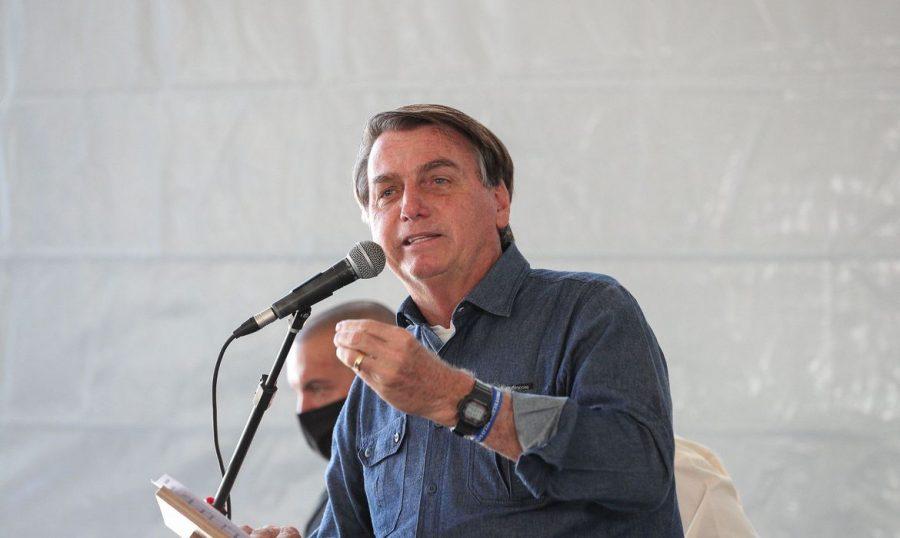 """Bolsonaro sobre auxílio emergencial: """"é pouco para quem recebe e muito para quem paga"""""""