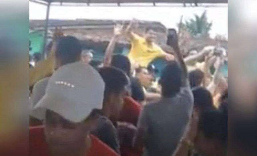 Pré-candidato a prefeito de Maraial, promove aglomeração reunindo aliados em plena pandemia