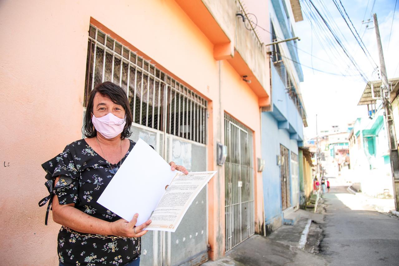 Moradores do Cabo recebem a 1ª etapa do Projeto Escritura na Mão