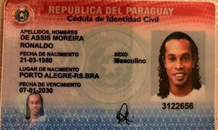 Justiça do Paraguai concede liberdade a Ronaldinho Gaúcho após 5 meses preso no país