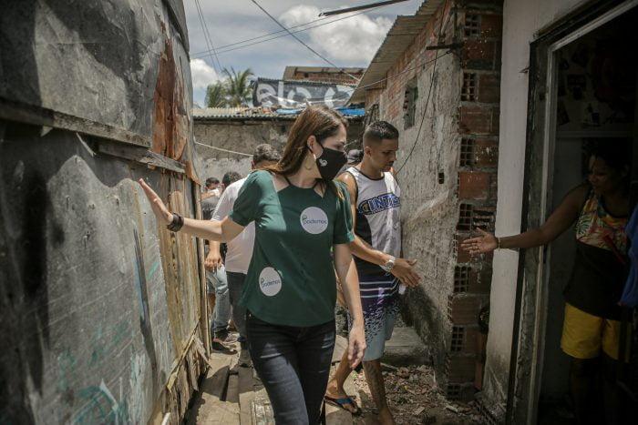 Patrícia se compromete em criar habitacional no Caranguejo Tabaiares.