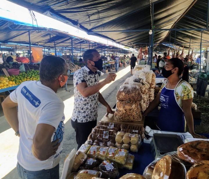 Em Olinda, Professor Lupércio investe na melhoria de feiras e mercados