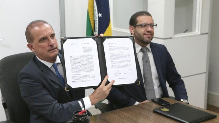 Executivo e Judiciário firmam acordo para agilizar processos de contestação do Auxílio Emergencial
