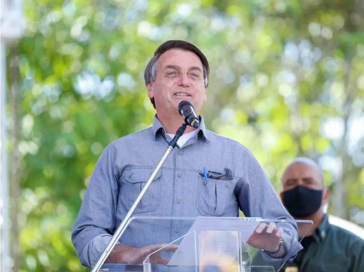 """Bolsonaro: """"Estamos praticamente vencendo a pandemia"""""""