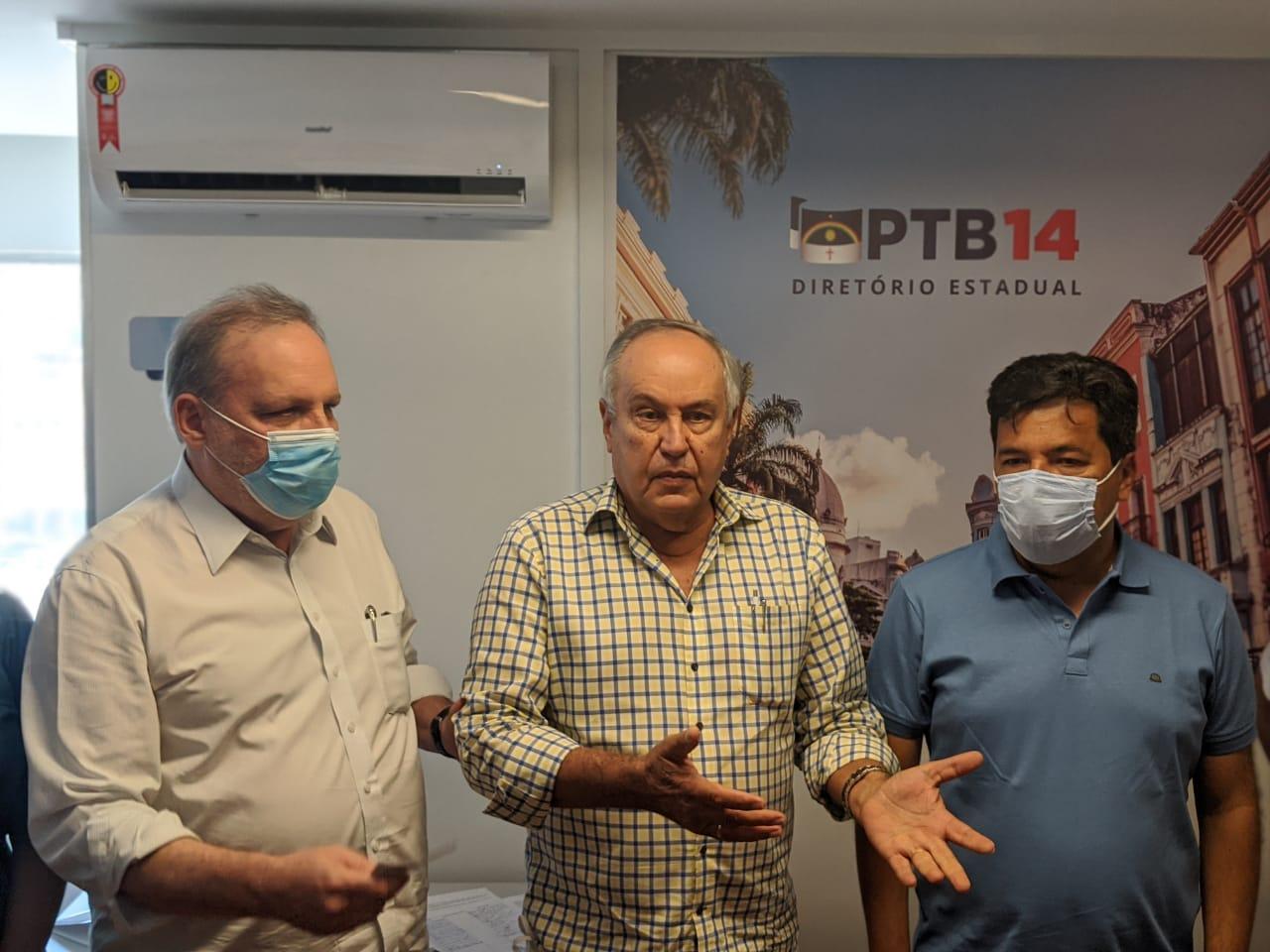 """""""A PCR não é uma plataforma de estágio"""", diz Armando Monteiro em apoio à Mendonça Filho"""