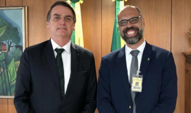 "Allan dos Santos chama Pazuello de 'traidor e canalha' e diz a Bolsonaro: ""Nunca mais me ligue!"""