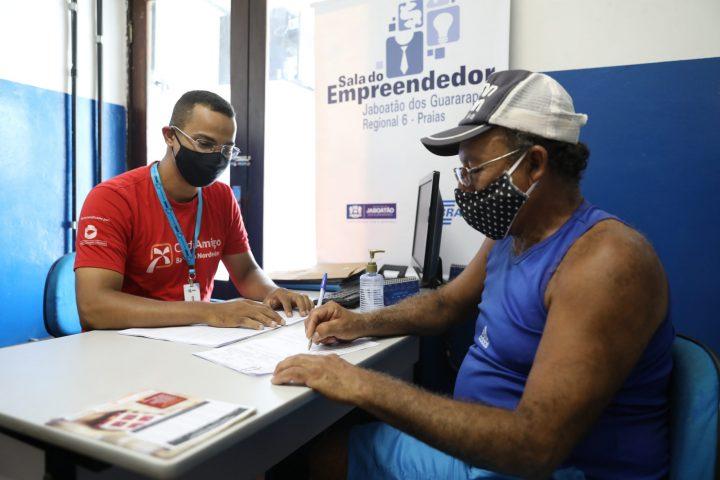 Comerciantes da orla de Jaboatão começam a receber linha de crédito