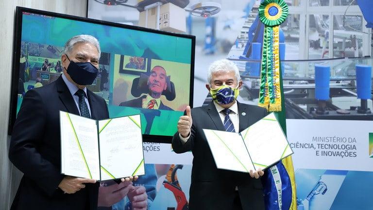 Cerimônia também marcou a assinatura de um acordo de cooperação do MCTI com o Instituto General Villas Bôas para incetivar o desenvolvimento da tecnologia assistiva. - Foto: Neila Rocha - ASCOM/MCTI