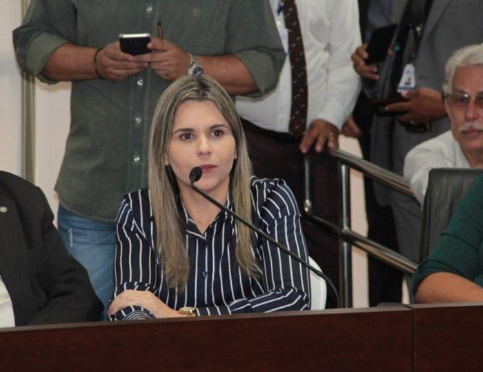 Clarissa Tércio defende volta da meia-passagem de ônibus aos domingos