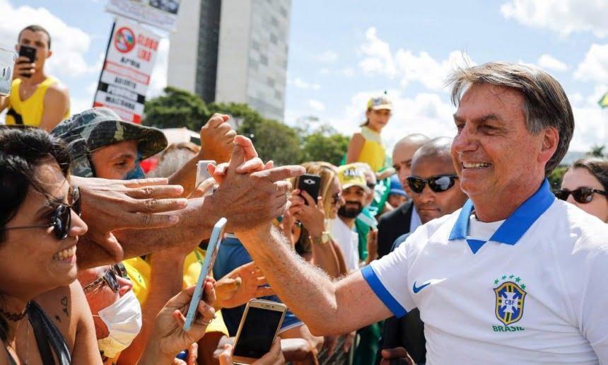 Bolsonaro permanece na frente e vence todos os candidatos em 2022