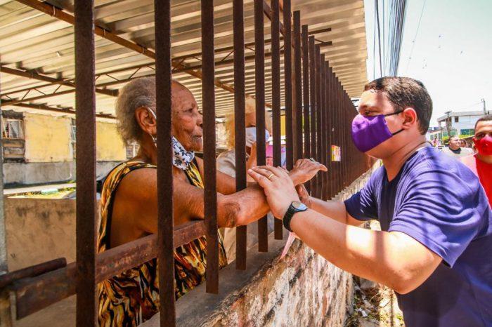 Padilha caminha no Conjunto Beira Mar e comemora apoio dos moradores