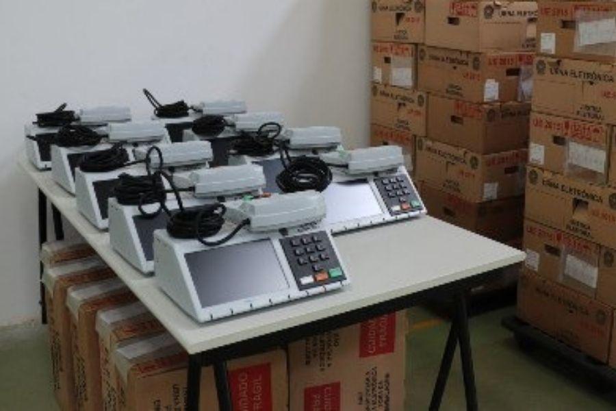 Até o momento, uma troca de urna foi realizada em Recife e Paulista, diz TRE-PE