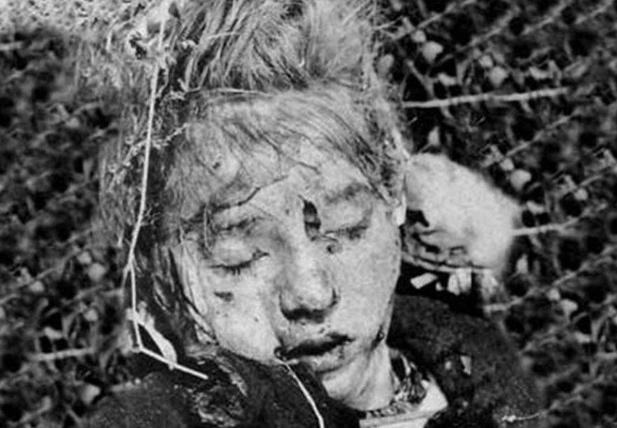 Garota alemã encontrada morta em Messendorf, 1944. Documentário Hellstorm.