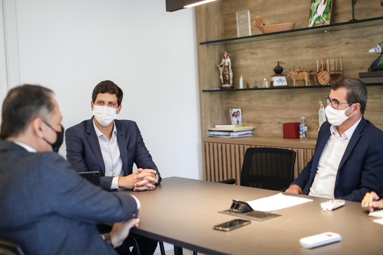 João Campos busca parcerias com o Banco do Brasil para o Recife