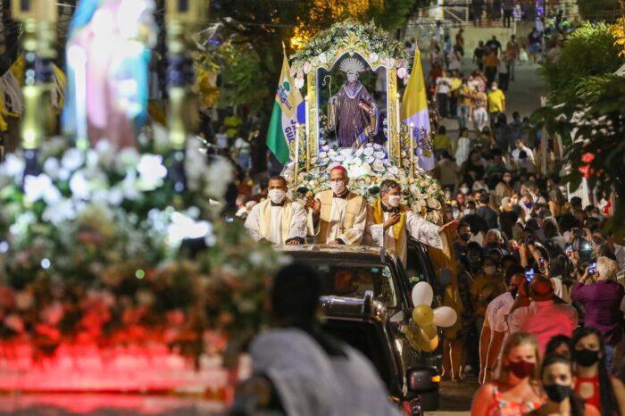Prefeito de Jaboatão prestigia último dia de Festa de Santo Amaro