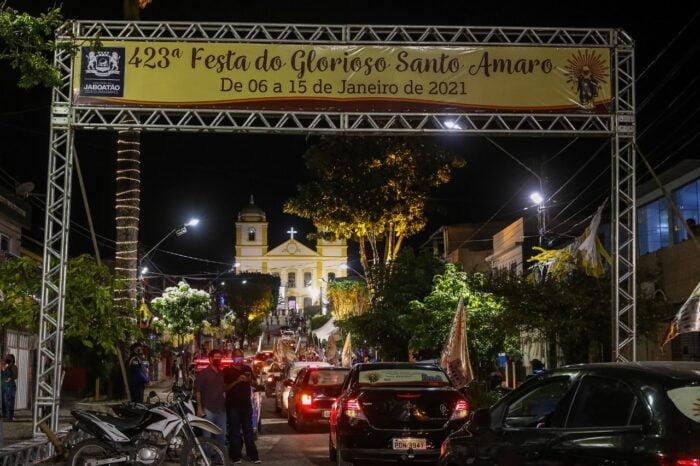 Dom Fernando celebra missa de encerramento da 423ª Festa de Santo Amaro, em Jaboatão