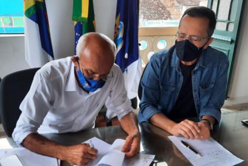 Prefeito de Goiana anuncia data de posse dos aprovados em concurso público