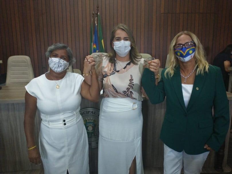 Érica Uchôa é eleita a primeira mulher a presidir a Câmara de Igarassu