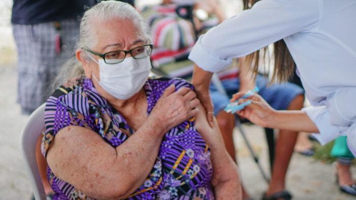 Paulista amplia aplicação de dose de reforço contra a Covid-19 para idosos a partir de 60 anos