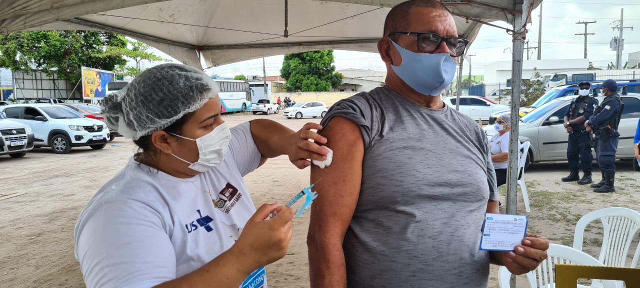 Paulista intensifica aplicação da segunda dose contra a Covid-19 neste sábado (25)
