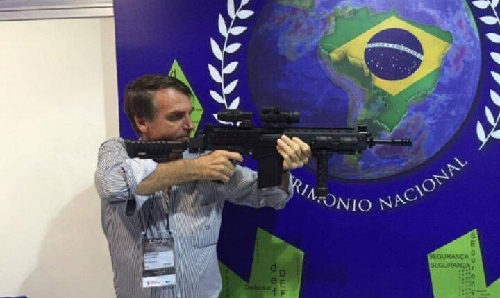 Bolsonaro altera decretos para ampliar acesso a armas e munições no Brasil