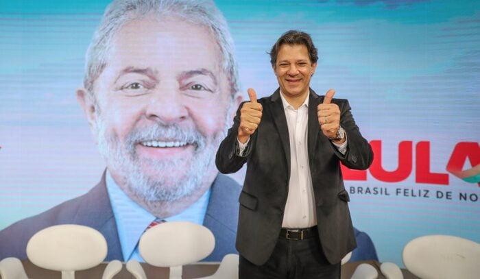 Haddad, do PT, já vetou distribuição gratuita de absorventes em São Paulo