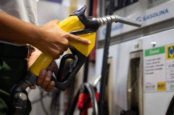 Começa a valer novo aumento do gás de cozinha, gasolina e diesel após reajuste anunciado pela Petrobras