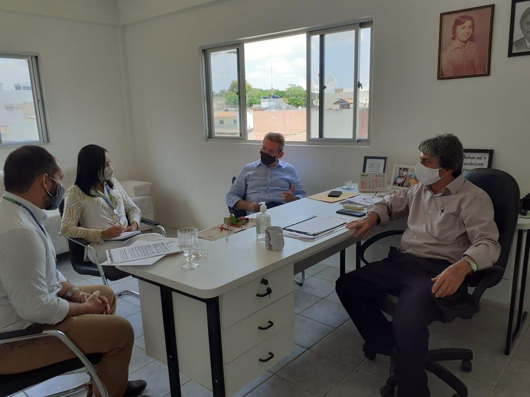 Prefeito de Belo Jardim fecha acordo histórico com a Compesa