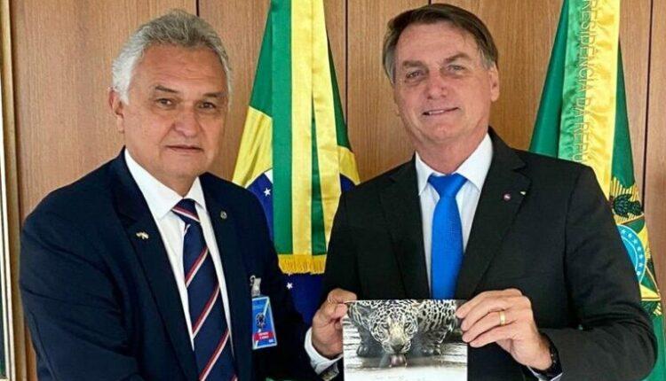 """General diz ao presidente Bolsonaro que """"é chegado o momento da decisão"""" em redes sociais"""