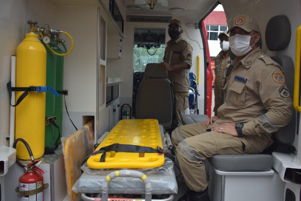 Deputado Marco Aurélio entrega Ambulância ao Corpo de Bombeiros