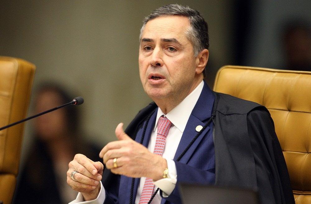 """Barroso descartou riscos à democracia: """"Atravessamos uma turbulência. Mas o avião é seguro e vai pousar em 2022"""""""
