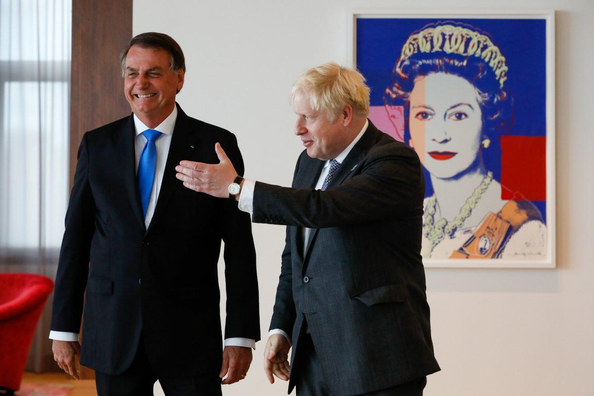 Vídeo: em reunião bilateral, primeiro-ministro britânico recomenda AstraZeneca e Bolsonaro diz que ainda não tomou a vacina