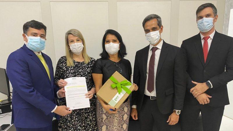 Eduardo da Fonte e Fábio Aragão vão ao Ministério da Saúde buscar mais recursos para o Hospital do Câncer e Santa Cruz do Capibaribe