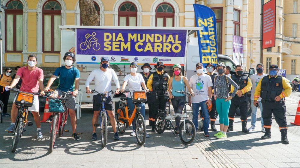 Prefeitura do Recife realiza implantação de ciclofaixa e ações educativas em alusão ao Dia Mundial Sem Carro