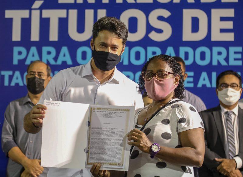 Prefeito Anderson Ferreira lança programa de regularização fundiária e concede isenção de IPTU em Jaboatão