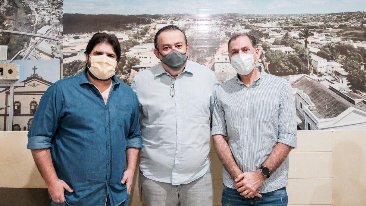 Ao lado do Prefeito Labanca, deputado Sebastião Oliveira anuncia investimentos para São Lourenço da Mata