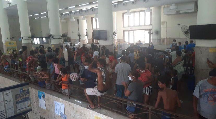 Vídeo: manifestantes invadiram sede dos Correios no Recife em reivindicação por moradia