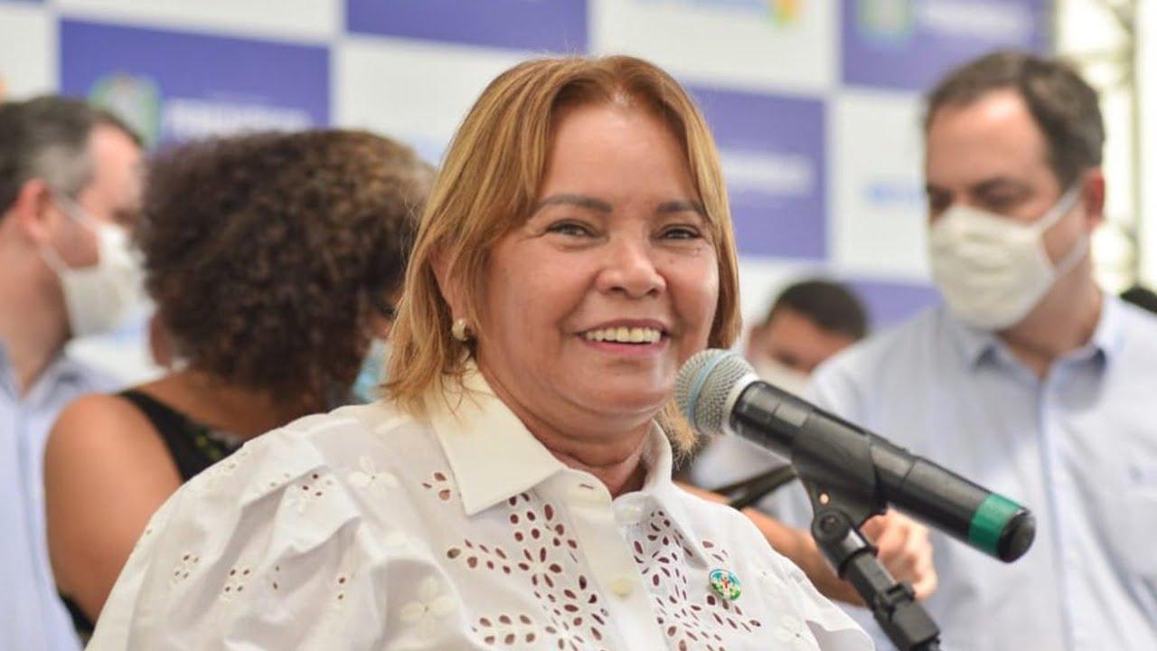 """Moradores reclamam da Prefeita de Camaragibe que fez """"maquiagem"""" na cidade para receber comitiva do governador"""