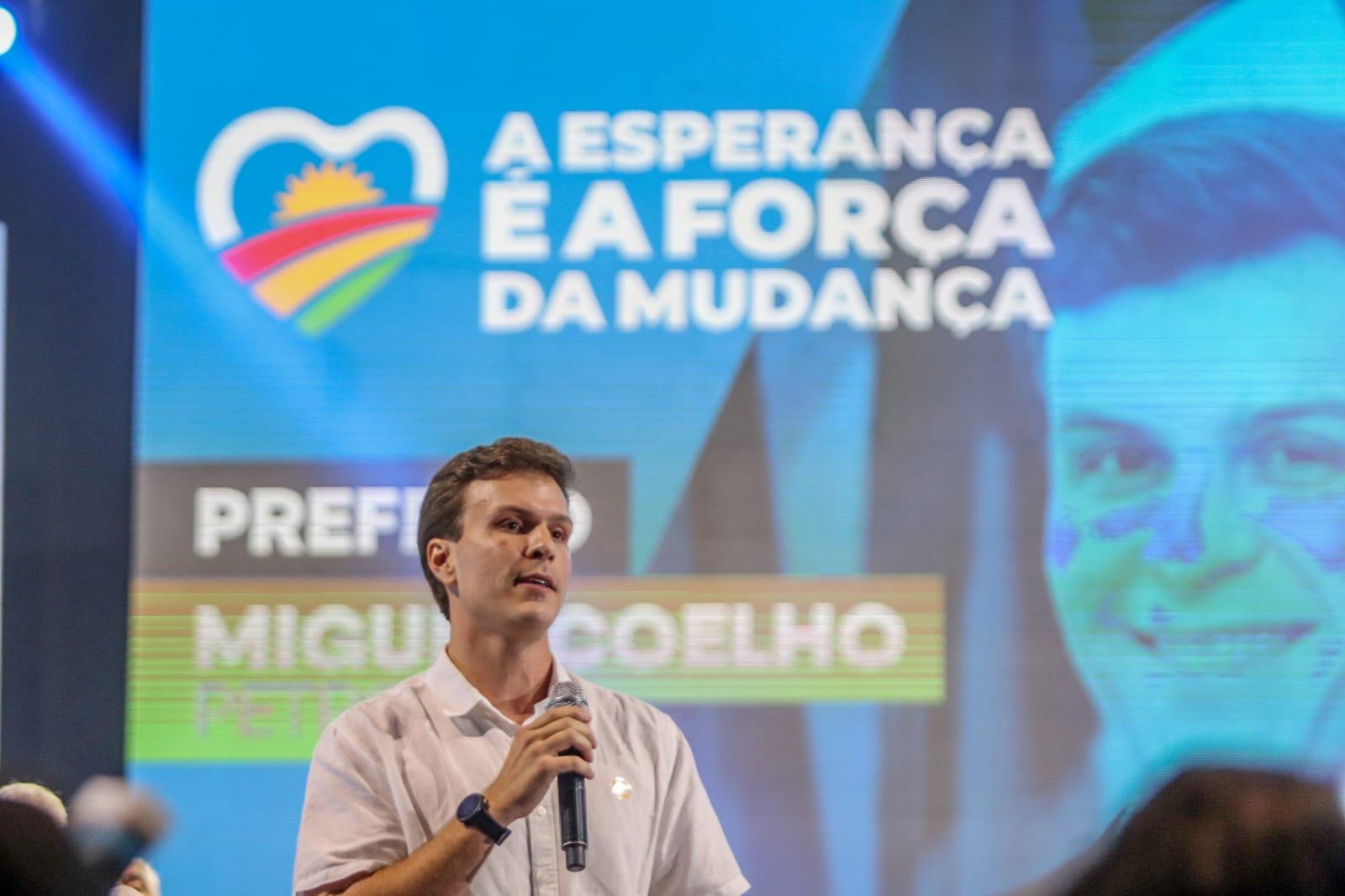 """""""Ninguém vai mudar Pernambuco sozinho"""", diz prefeito de Petrolina em filiação ao Democratas"""