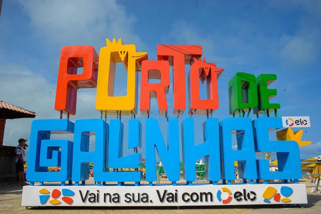 Porto de Galinhas ganha novos letreiros em comemoração a Semana Mundial do Turismo