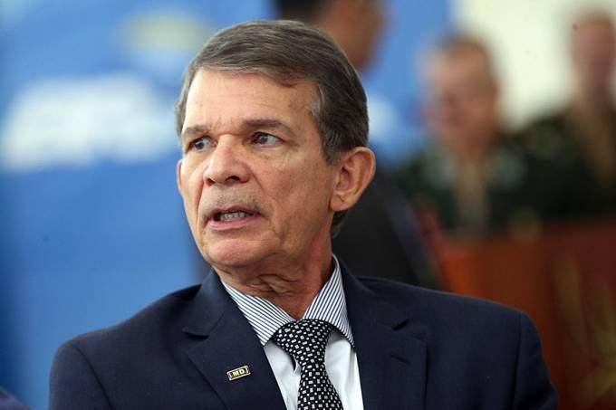Com gasolina 71,12% mais cara que nos EUA, Presidente da Petrobras recebe salário de mais R$ 250 mil por mês