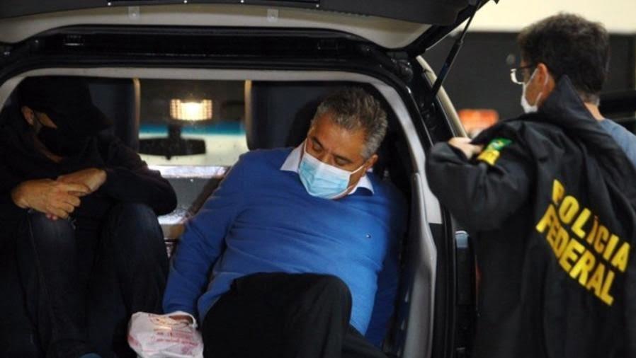 Prefeito do PSDB é preso pela PF suspeito de desviar recursos da rede pública de saúde