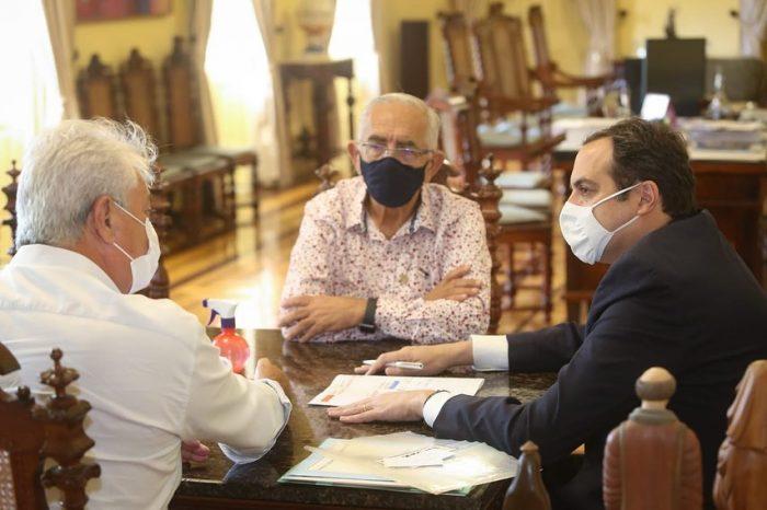 Prefeito Yves Ribeiro se reúne com o governador Paulo Câmara para audiência em busca de investimentos para Paulista
