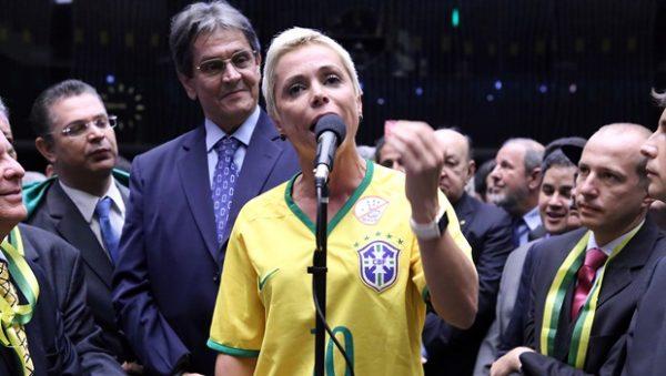 PTB vai expulsar Cristiane Brasil, Oswaldo Eustáquio e Fadi Faraj; Cristiane é filha do presidente do partido Roberto Jefferson