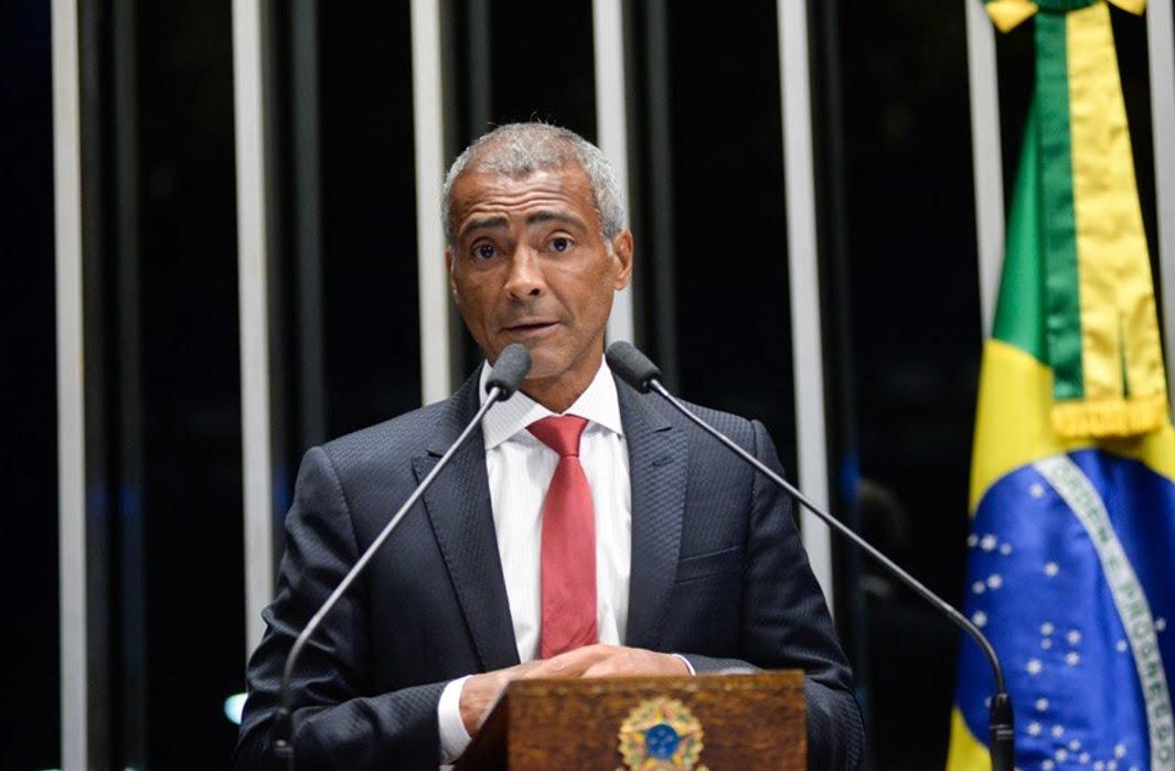 Senador Romário.