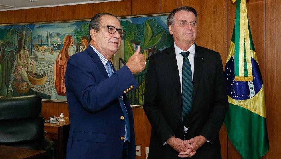 Aliados querem Silas Malafaia como vice de Bolsonaro em 2022; presidente tem interesse na possibilidade